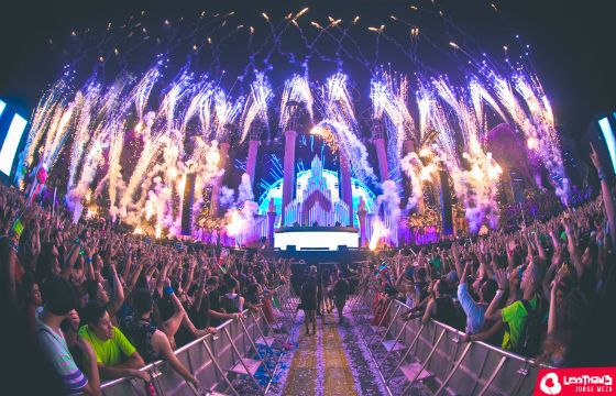 Insomniac Reveals EDC UK Lineup, Sells Out Las Vegas In Record Time (Again) - http://blog.lessthan3.com/2015/02/insomniac-edc-uk-lineup-las-vegas-sold-out/ electric daisy carnival, insomniac events Uncategorized