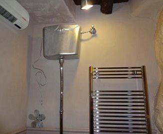 pulsante scarico wc catis design montato a parete