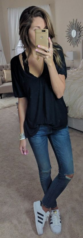 Black Top / Destroyed Skinny Jeans / White Adidas Sneakers
