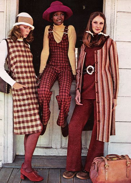 Seventeen Magazine, July 1971. 'Wool gives you the world.' #1970s... - http://www.popularaz.com/seventeen-magazine-july-1971-wool-gives-you-the-world-1970s/