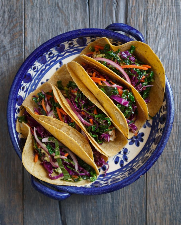 Best grilled fish tacos with avocado and kale slaw for Best grilled fish taco recipe