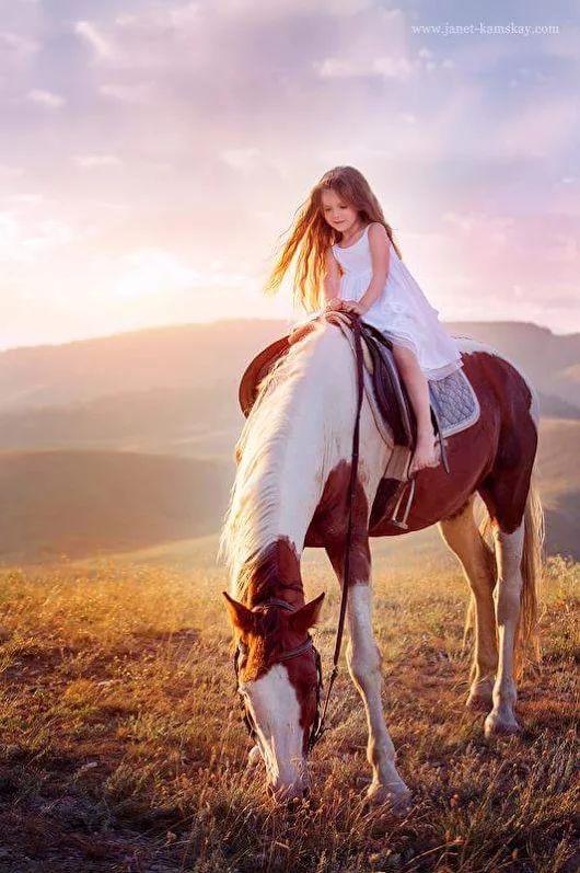 Deze foto, maar dan met m'n eigen paard en ons bloemenmeisje!