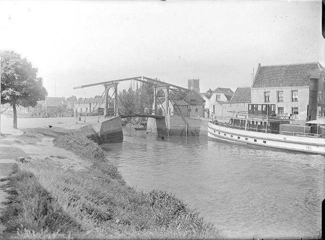 Een brug in Brielle