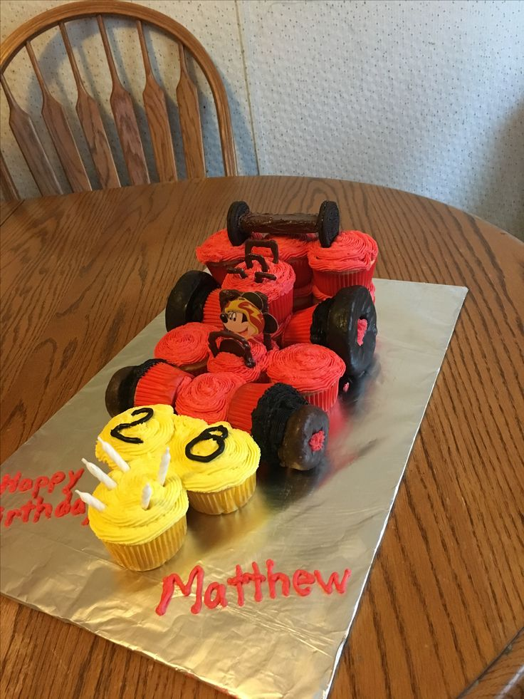Mickey and the Roadster Racers Birthday cupcake cake