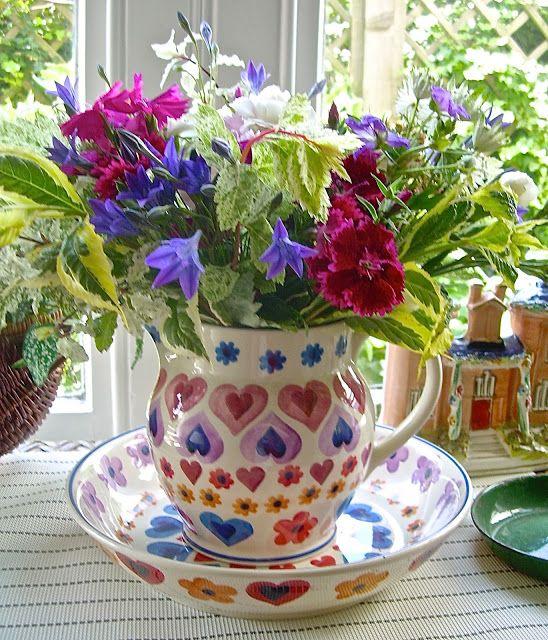 Emma Bridgewater HEARTS & FLOWERS 1.5 pint jug and pasta bowl.