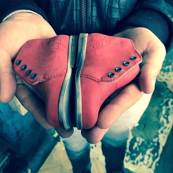 Hugotti Shoes | Producent obuwia dziecięcego
