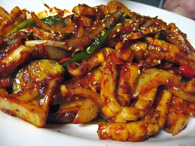 Looking for a simple seafood recipe? Try this easy spicy squid dish that you will surely love!
