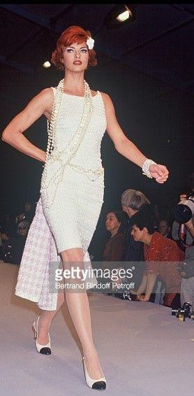 Linda Evangelista: CHANEL, 1992