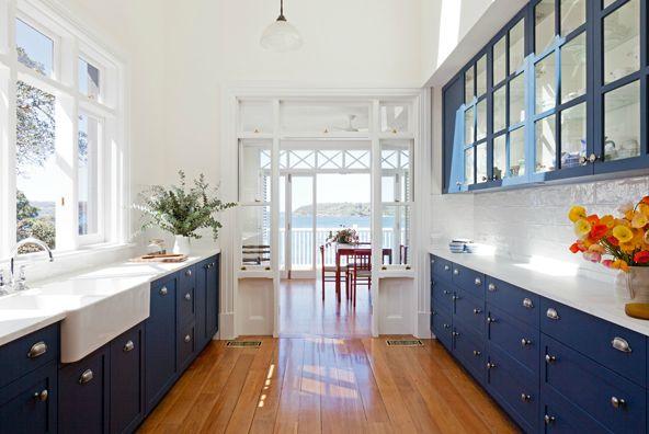 blue cabinet idea for kitchen or bathroom vanity