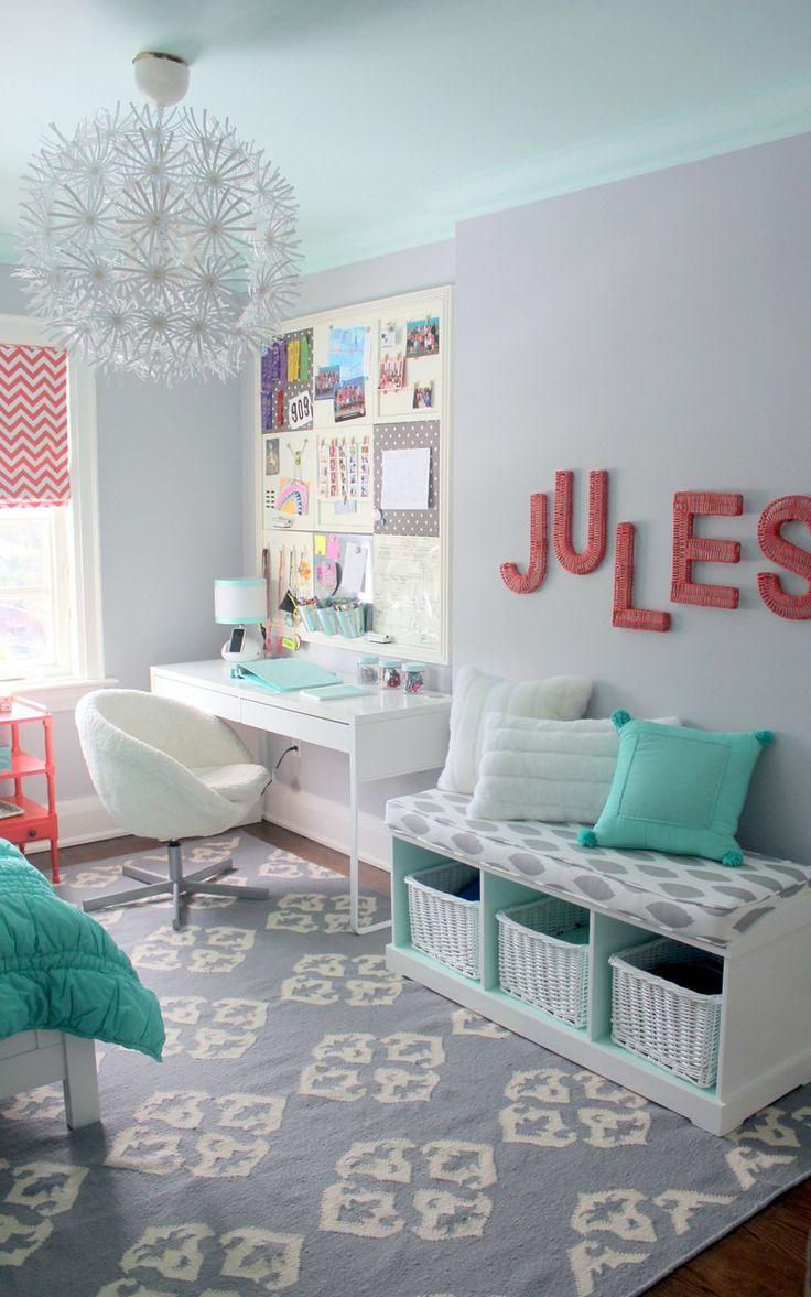 Pretty Mint & Coral Room