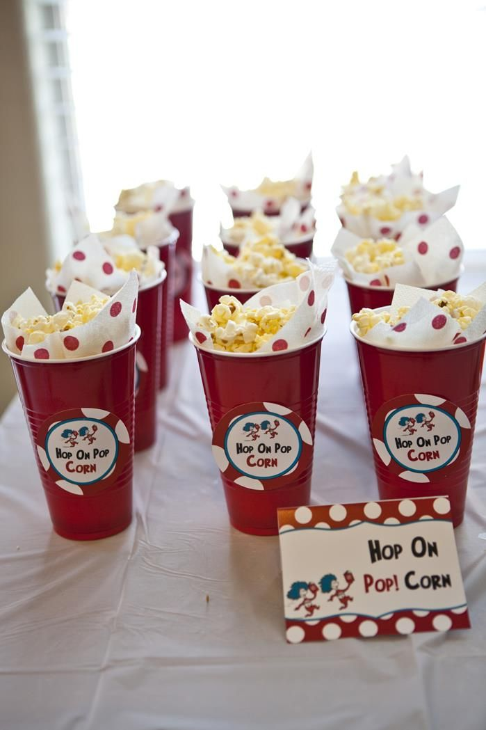 Dr Seuss Cat in the Hat Birthday Party #drseuss #snacks #party
