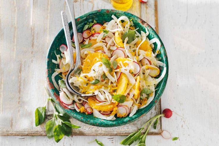 De frisse venkel en de pittige radijs zijn een goed duo in deze salade - Recept - Allerhande