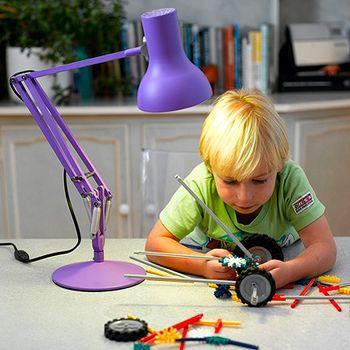 ピクサーのあのランプみたい!アングルポイズのランプがレトロ可愛い ... 子どもが一生懸命何かを作る時に手元を照らしたり…