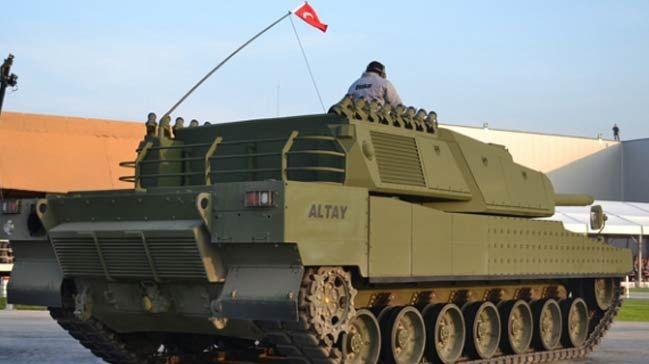 Savunma sanayii Projelerine 85.5 milyar lira SAVUNMA Sanayii Müsteşarlığı (SSM) tarafından yürütülen toplam proje sayısı 416'ya ulaşırken, bunların 233'ü sözleşmeye bağlandı. Bu kapsamda, ATAK helikopterlerinin teslimatı, ALTAY Tank Projesi'nin prototip üretimlerin tamamlanması ve tankların kalifikasyon testlerine devam edilmesi, MİLGEM Projesi'nin 3. ve 4. gemilerinin inşa faaliyetleri, yeni tip karakol botlarının teslimatının tamamlanması, Yeni Tip Denizaltı üretimi