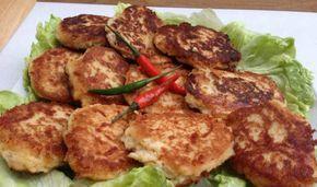 Karnabahar Köfte  -  Fügen Büke #yemekmutfak.com Karnıbahar sevmeyen çocukların bile iştahla yiyeceği bu lezzetli ve besleyici karnıbahar köftesini hazırlamak çok kolaydır. Vejetaryenler için de uygun olan bu köfteyi yanında marul veya kıvırcık salatasıyla sunabilirsiniz. Tarif Filiz Patilovski'ye aittir. Paylaşımı için teşekkürler.