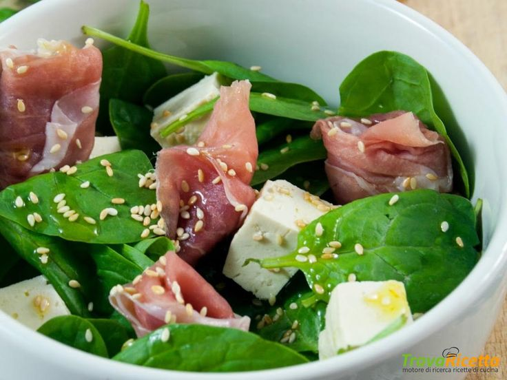 Insalata con spinacini, prosciutto crudo e tofu  #ricette #food #recipes
