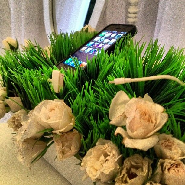 A genius wedding idea for smartphone-loving guests