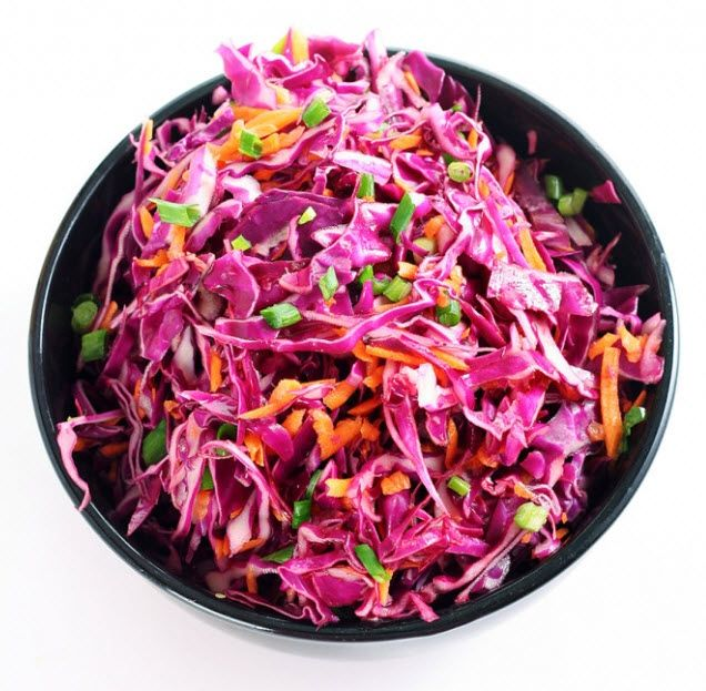 Recept: Rode kool salade met Aziatische dressing