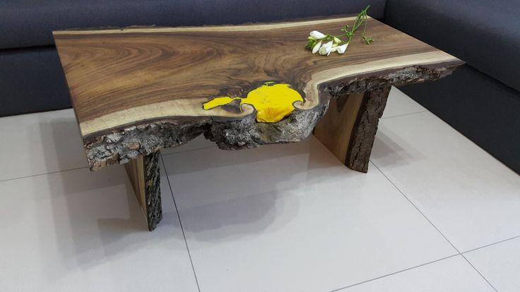 stolik-kawowy-corteccia-z-drewna-orzechowego.jpg
