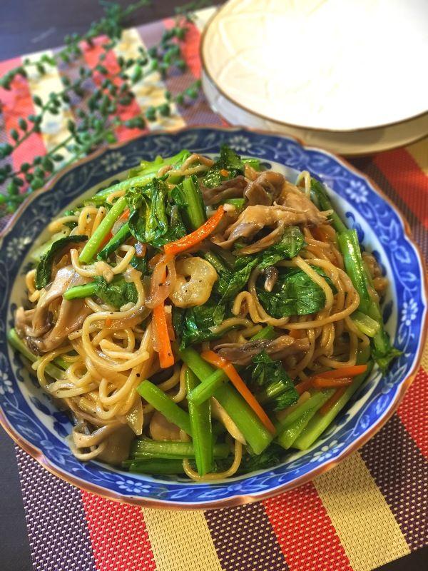 簡単!美味しい!小松菜と舞茸とシーフードの塩焼きそば by SHIMA ...