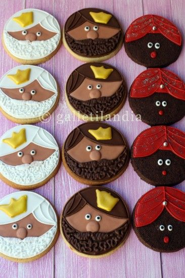 ah! i don't speak the language, but i get the gist. three kings cookies for epiphany! cute, cute, cute!