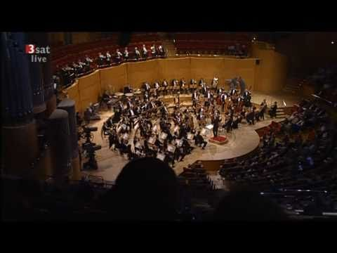 """Leos Janacek Sinfonietta WDR-Sinfonieorchester (2007) - YouTube """"Nel taxi la radio trasmetteva un programma di musica classica in FM. Il brano era la Sinfonietta di Janacek."""""""