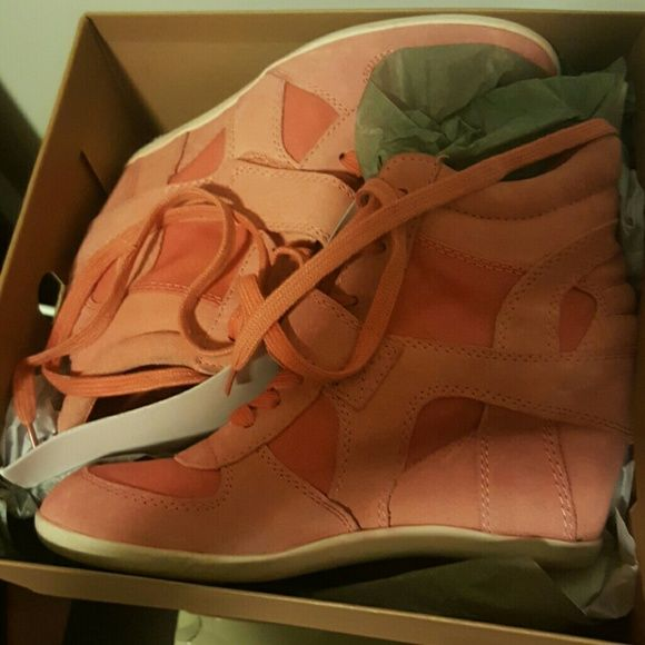 Ash Bowie Sneakers Worn once ... Size 41 Peach/Orange Ash sneakers.  Great condition Ash Shoes Sneakers