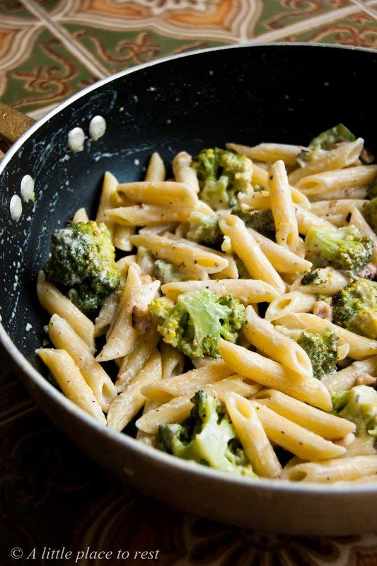 Penne con broccoli caprino e gorgonzola