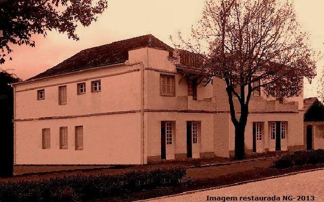 1940 - Hotel Central na Av. Júlio de Castilhos - Canela / RS