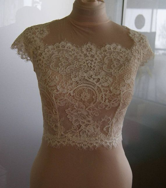 Wedding bolero-top-jacket of lace,  sleeve short , front of a full, alencon .  Romance bolero  ALIANA