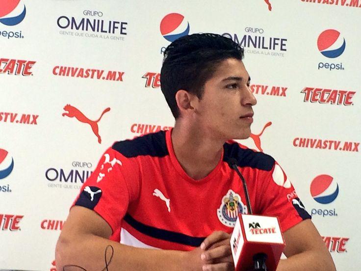 DESESPERA A ÁNGEL ZALDÍVAR EXCESO DE EXTRANJEROS EN MÉXICO El delantero de Chivas lamentó que los equipos de la Liga MX prefieran darle oportunidad a los atacantes foráneos.