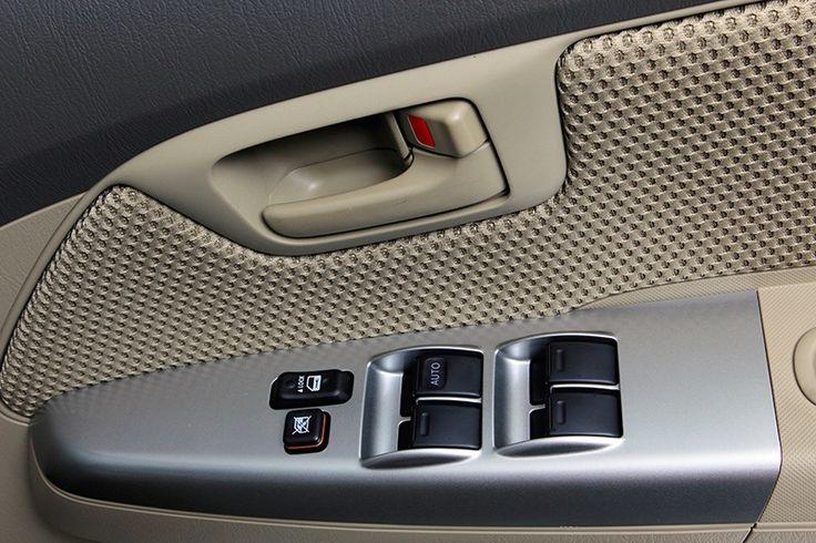 Hilux double cabin V diesel Interior 2