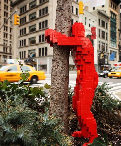 Amazing Lego Creations - Lego tree hugger, Nathan Sawaya