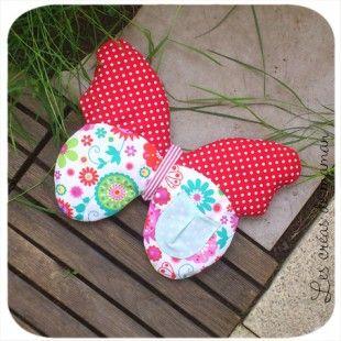 Un coussin Papillon range pyjama  : Chambre d'enfant, de bébé par lescreasdemaman sur ALittleMarket