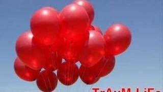 99 LuftBallons - Nena, via YouTube.
