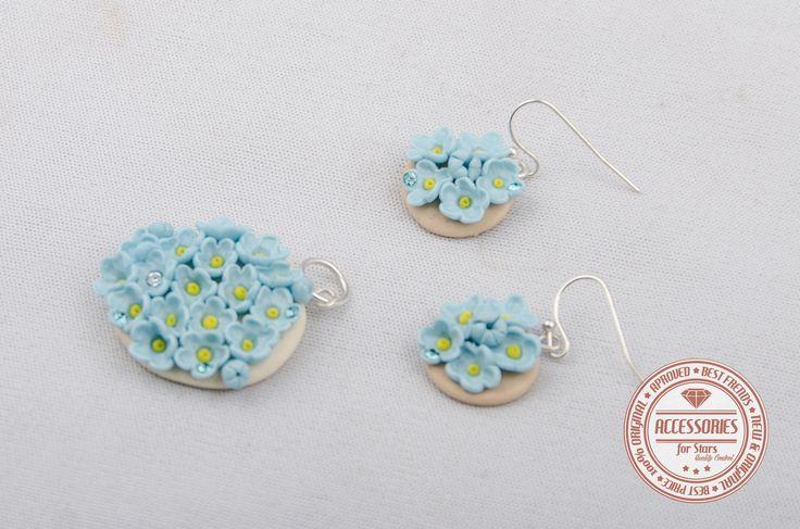 http://accessoriesforstars.blogspot.ro/2015/01/set-flori-de-nu-ma-uita-2.html #forgetmenotflowers #flowers #blue #babyblue #softblue #vintage #pendants #earrings #sets #polymer #crystals #swarovski #accessoriesforstars