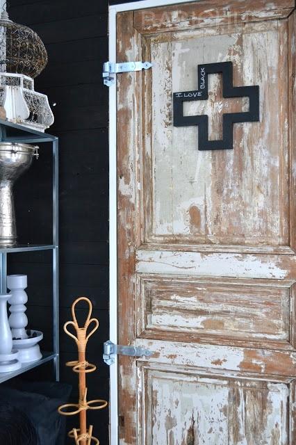 http://basiclabelsweden.blogspot.se/2013/02/skoltavelsvart.html