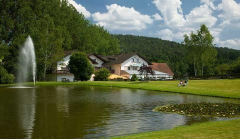 Eifel Schnäppchen-Urlaubsangebot Vulkaneifel - #deutschlandurlaub - Schnäppchen-Urlaubsangebot Vulkaneifel - #deutschland #urlaub