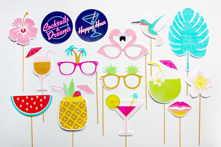 Tropical Party Props, Cocktails and Dreams Photo Booth Props, Pineapple, Hawaiian Luau Decorations, Party Printable   INSTANT DOWNLOAD par CreativeSenseCo sur Etsy https://www.etsy.com/ca-fr/listing/253535547/tropical-party-props-cocktails-and