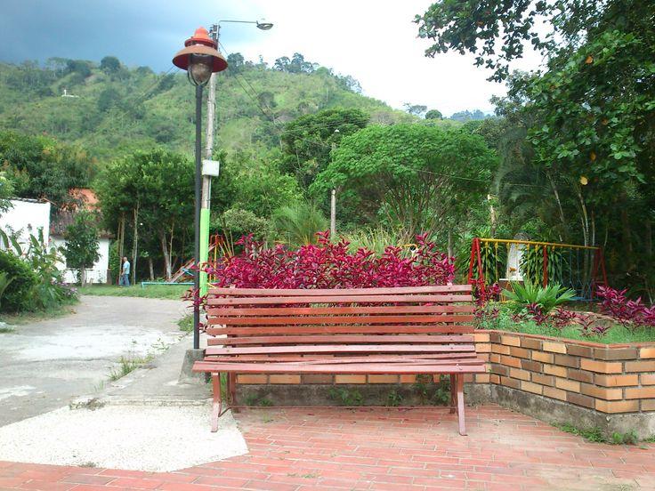 El valor de la soledad en Rionegro, Santander, Colombia. Banca.