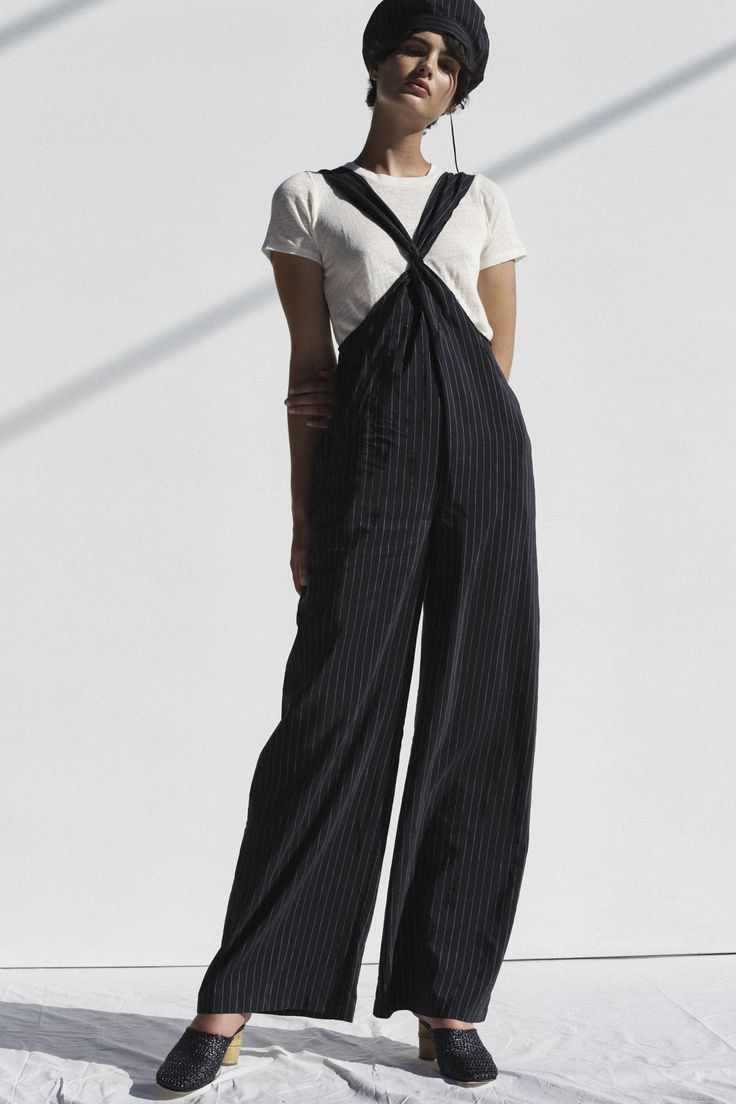 See the complete Shaina Mote Spring 2018 Ready-to-Wear collection.