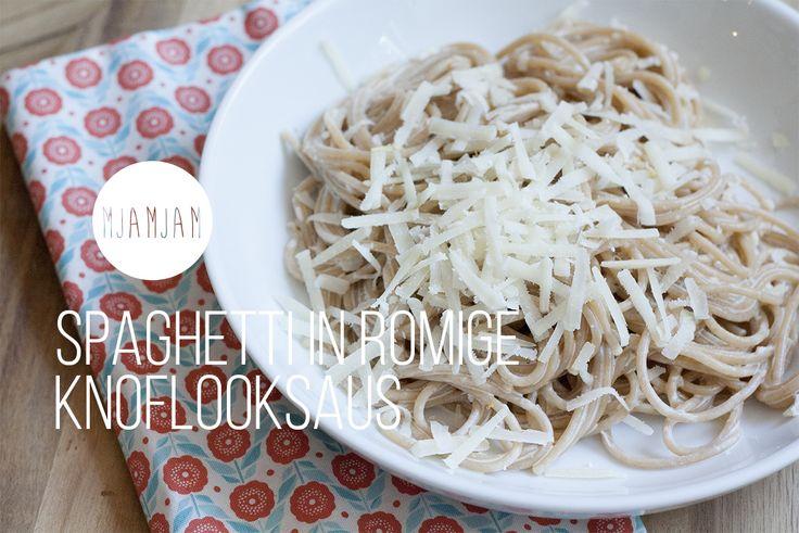 Spaghetti in romige knoflooksaus