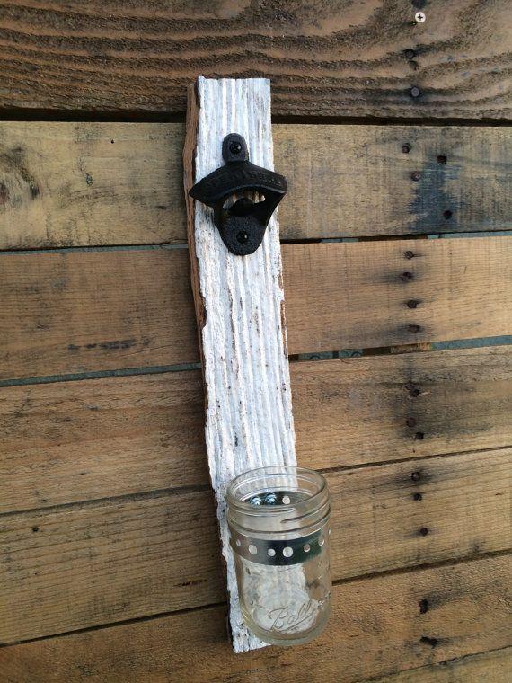 Bière bouteille ouvreur - récupéré des bois de grange - Craft Brew - Home Brew - Man Cave - terrasse - barbecue - cadeaux - Dads - diplômés - marié - mariage