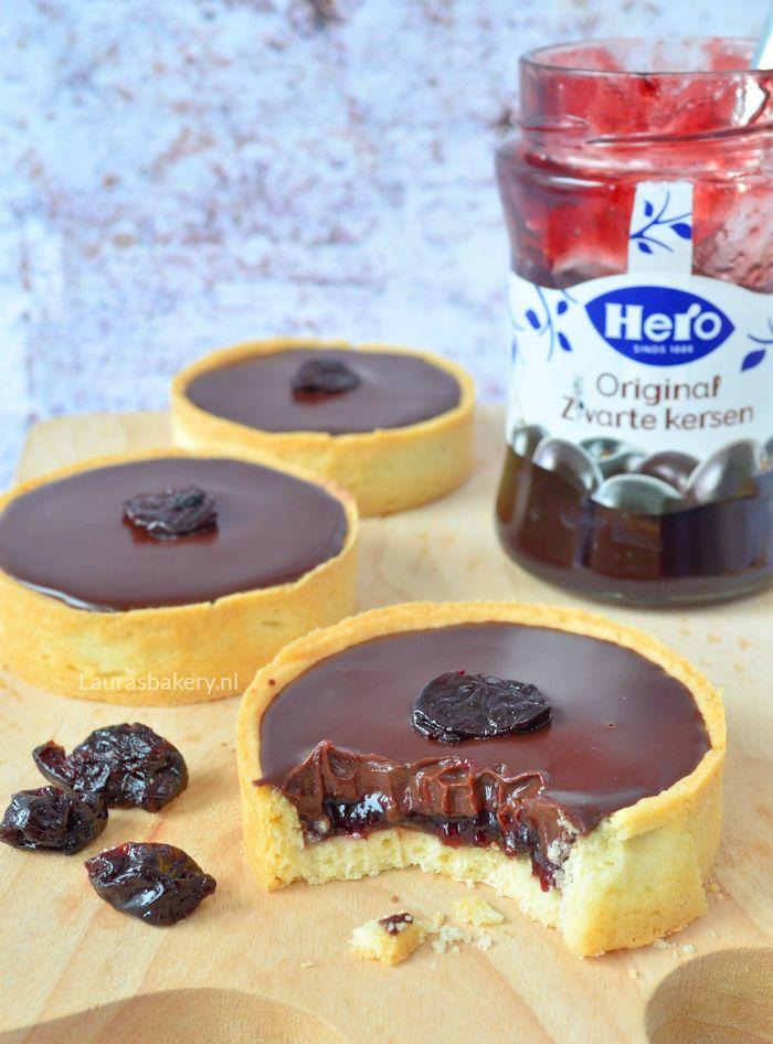 cherry chocolate tarts - Zwarte kersen chocolade tartelette - Laura's Bakery