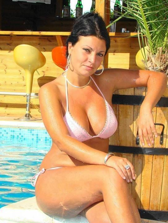 Pin On Hot Moms-7061