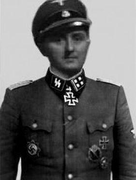 SS-Sturmbannführer Rolf Mühler, commandant du SIPO-SD (Gestapo) de Marseille. De Janvier 1943 à Juin 1944 Muhler nommé Obersturmbannführer devient le chef de la police de sûreté et du SD de Marseille et est responsable de la destruction de la vieille ville et de la déportation d'un grand nombre de personnes dans les camps. Il est le supérieur hiérarchique d'Ernst Dunker.