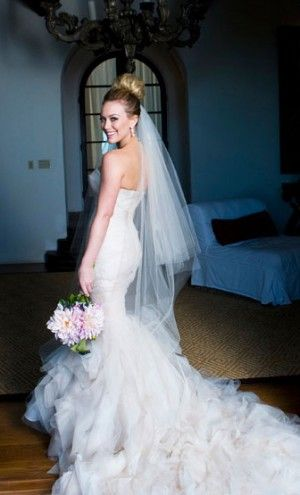 Hilary in gorgeous Vera Wang