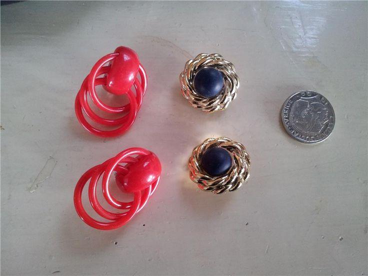 örhängen  2 par 80-tal plast clips retro