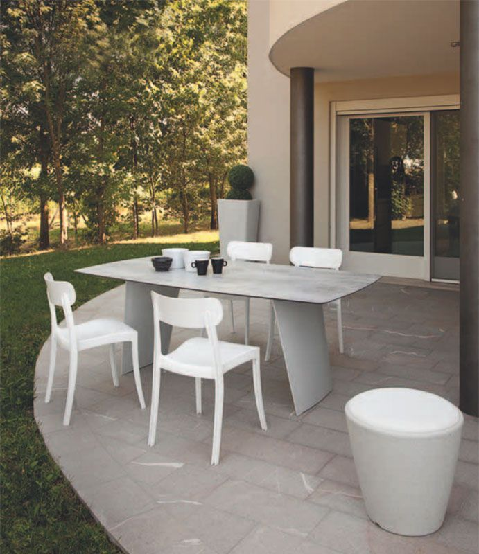Stone-r, tavolo outdoor by DOMITALIA news collection