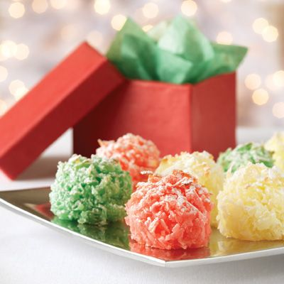 Chewy Holiday Macaroons for Christmas